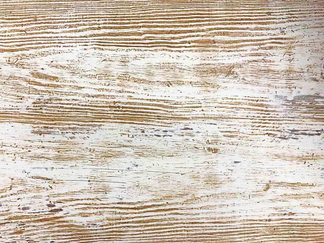 Comment positionner bois cheminée ?